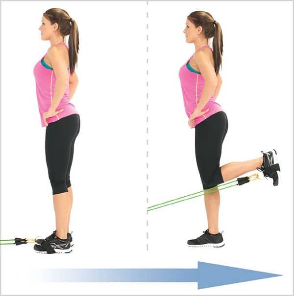 تمرینات-ورزشی-با-کش-بدنسازی-برای-تقویت-عضلات-کشش-همسترینگ-ایستاده