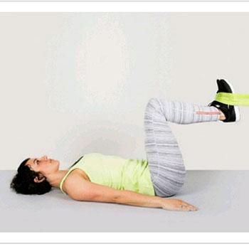 حرکات-ورزشی-با-کش-برای-شکم-درازنشست-معکوس-1