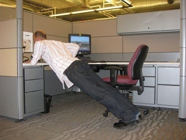 تمرینات ساده در محل کار