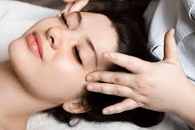 مراحل ماساژ صورت در منزل برای جلوگیری از افتادگی پوست